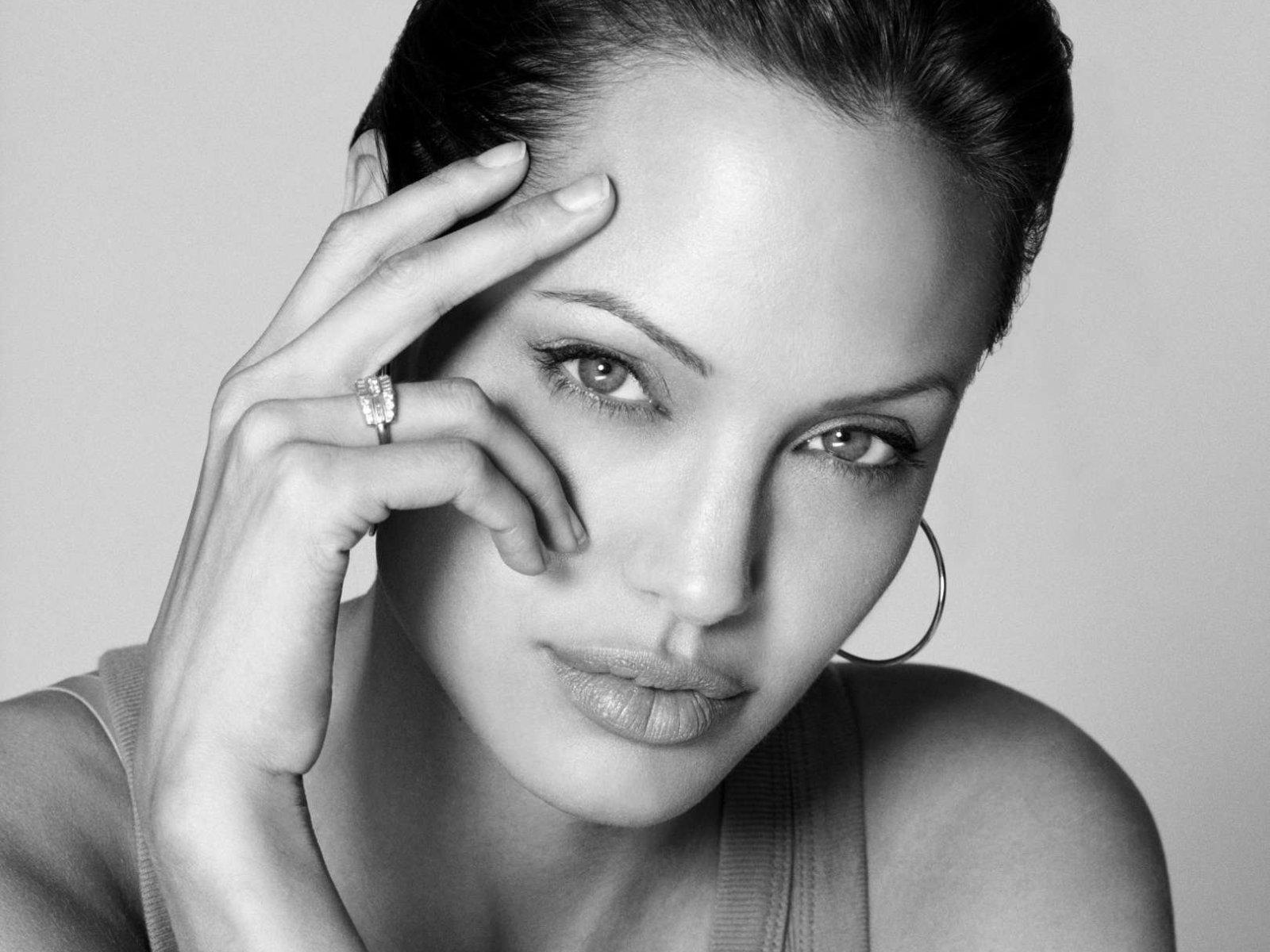 Чего хочет Анджелина Джоли - фото №4