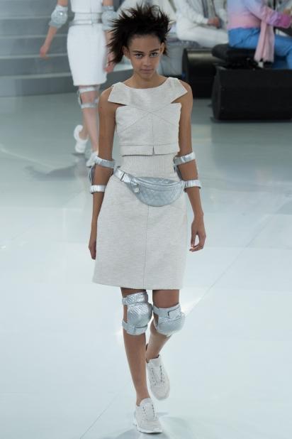 Кроссовки от кутюр Chanel - фото №3