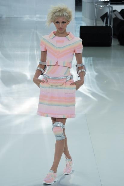 Кроссовки от кутюр Chanel - фото №4