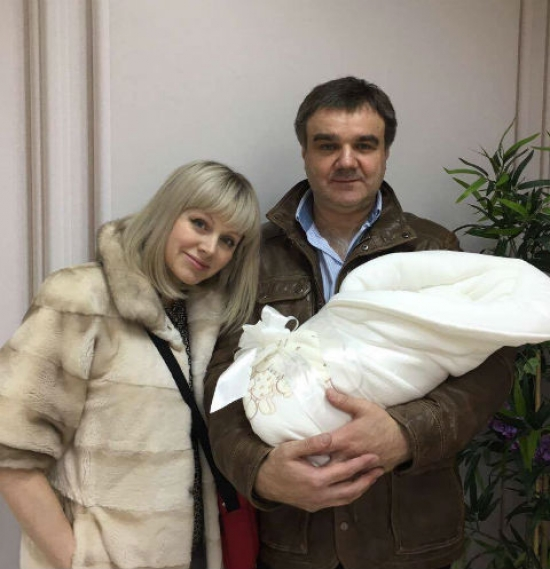 Певица Натали впервые показала новорожденного сына и рассекретила его имя (ФОТО) - фото №1