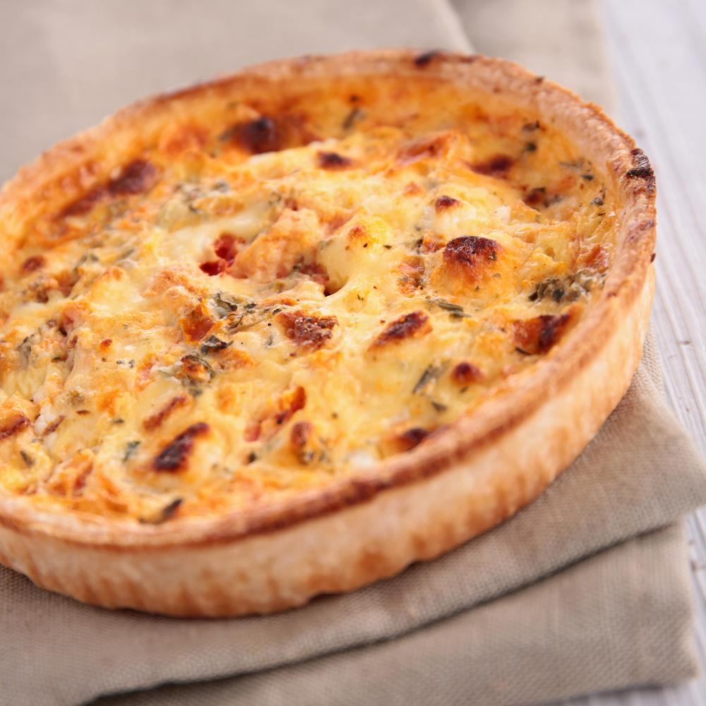 Как готовить киш: рецепт открытого пирога по-французски - фото №1