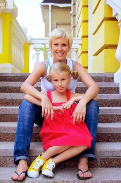 Телеведущая Жанна Тихонова: На программе Жди меня не сдерживают слез даже мужчины - фото №6
