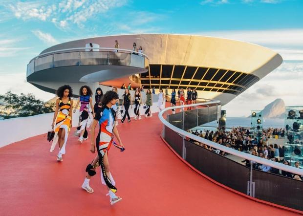Лучшие вещи на показе Louis Vuitton Resort 2017