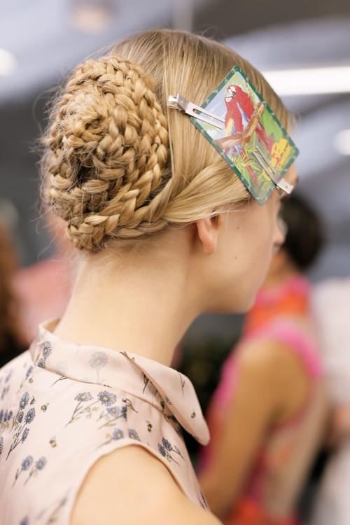 Заплети: как выглядят модные косы сезона весна-лето (+ВИДЕО) - фото №3