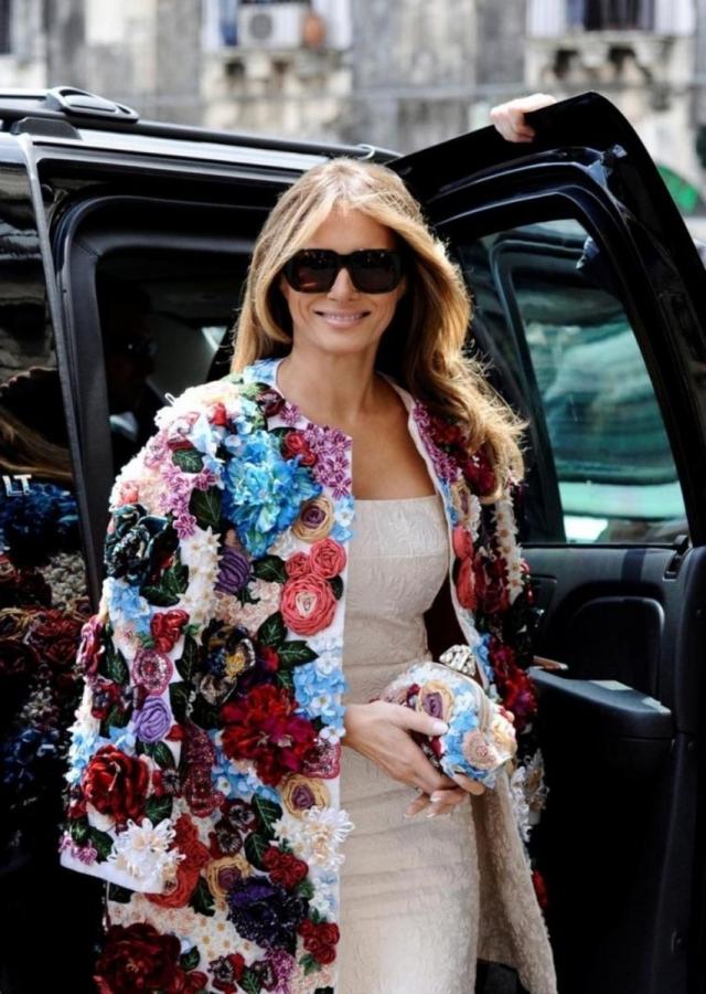 Как выглядели самые дорогие образы Мелании Трамп: разбор гардероба первой леди - фото №5