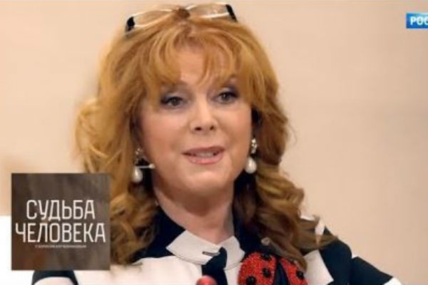 Юмористка Клара Новикова призналась в алкоголизме - фото №2