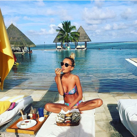 Как отдыхают жены миллиардеров: Кристина Сысоева на Мальдивах - фото №3