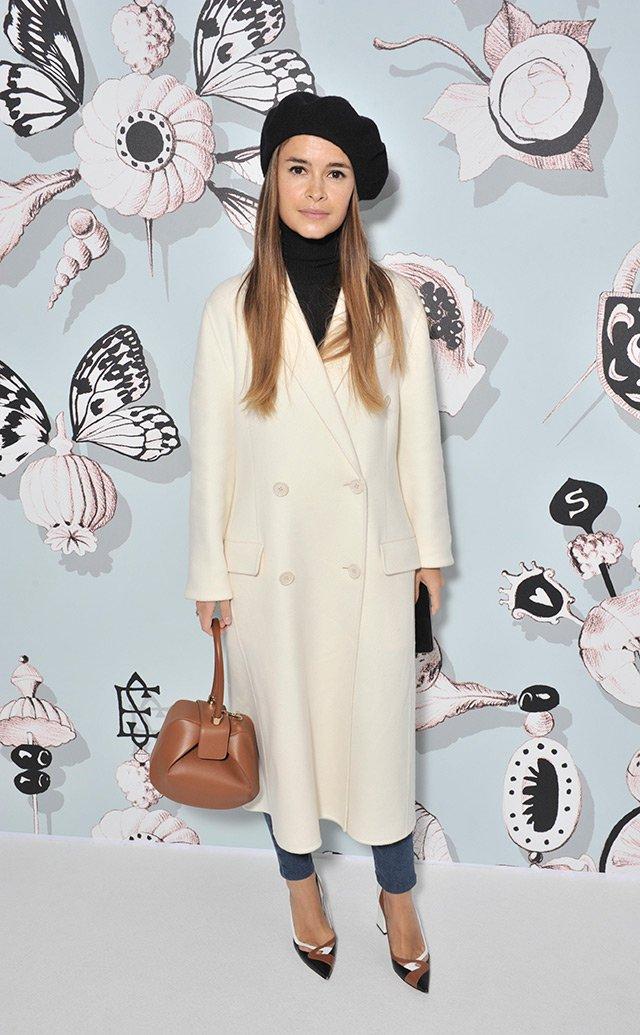 Голосуем! Черное или белое: самый стильный образ Недели высокой моды в Париже