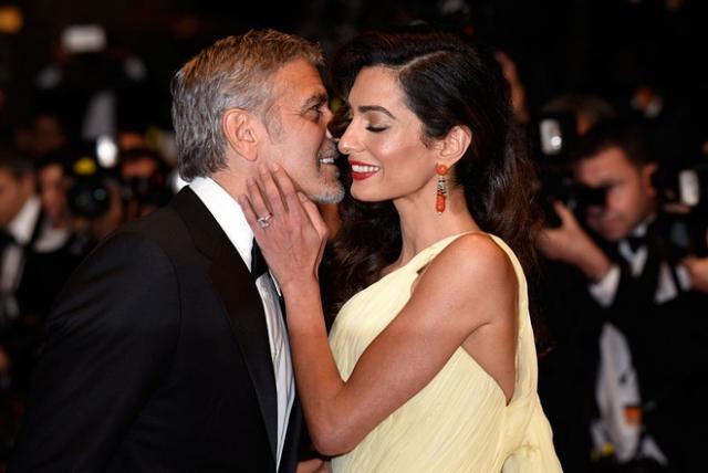 Джордж Клуни не спит ночами из-за солидарности к Амаль, которая встает покормить их новорожденных близнецов - фото №2