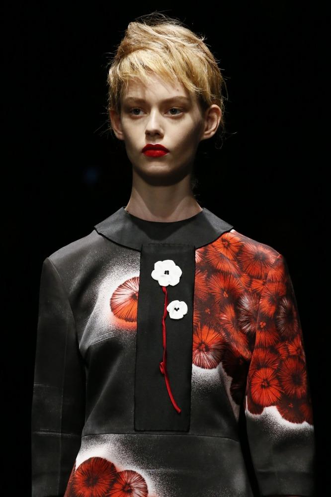 Неделя моды в Милане: восточный показ Prada - фото №4