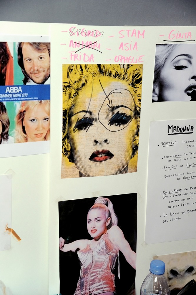 Эксцентричная Мадонна 90-х Жана-Поля Готье - фото №2