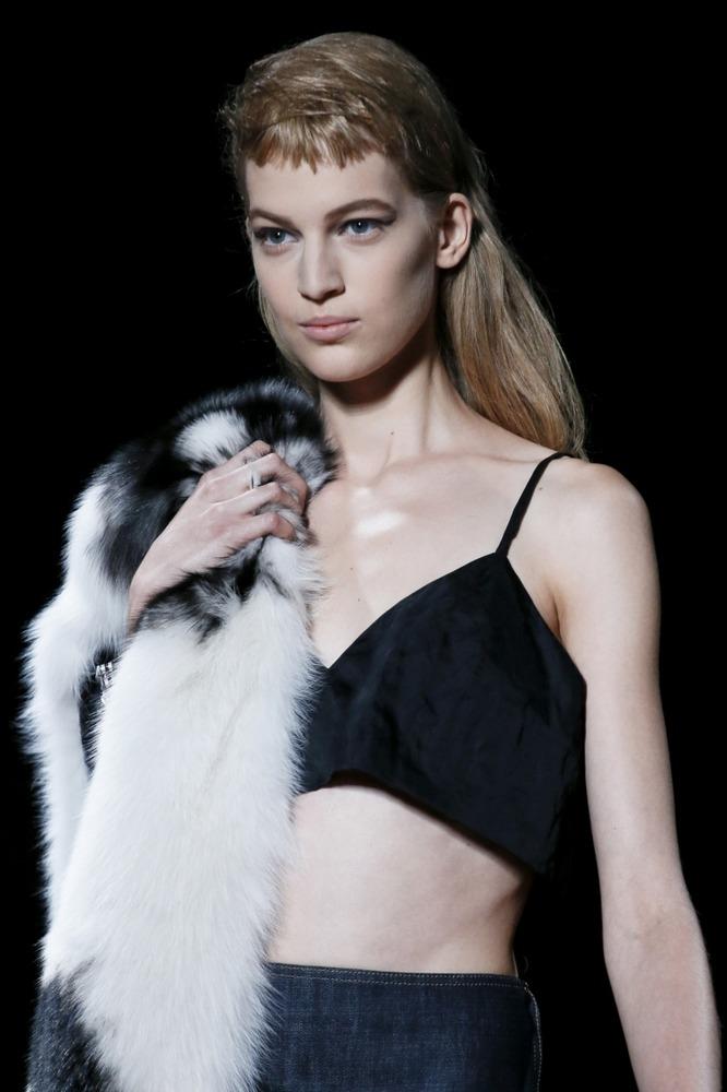 Неделя моды в Париже: показ Miu Miu - фото №2