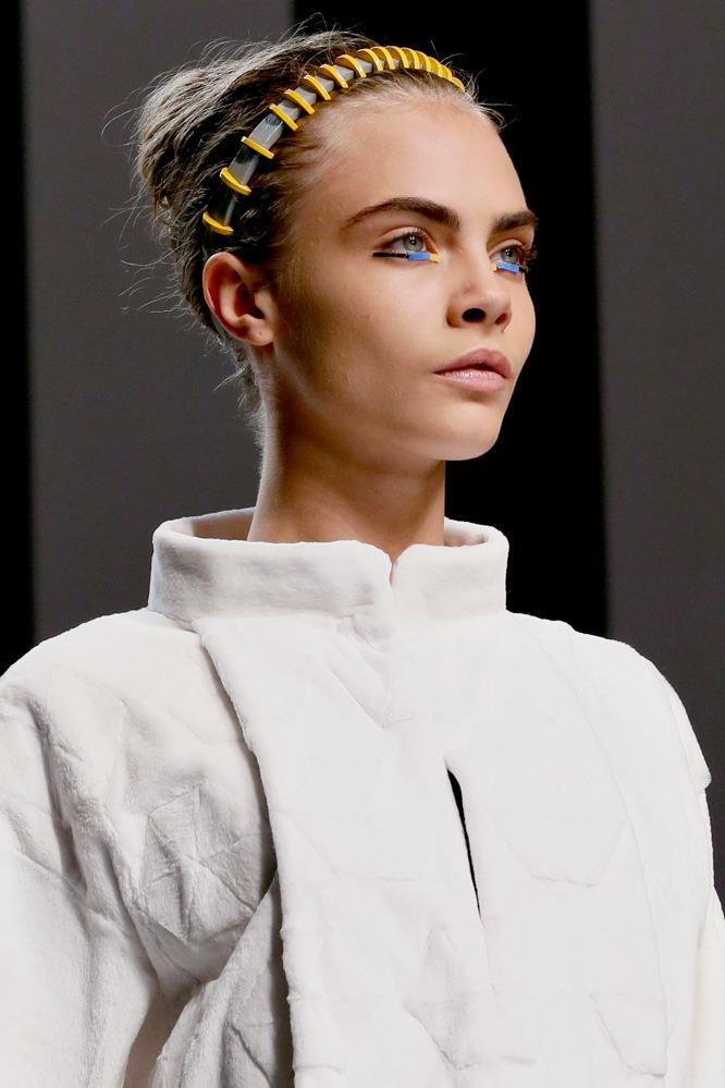 Неделя моды в Милане: футуристичный показ Fendi - фото №1