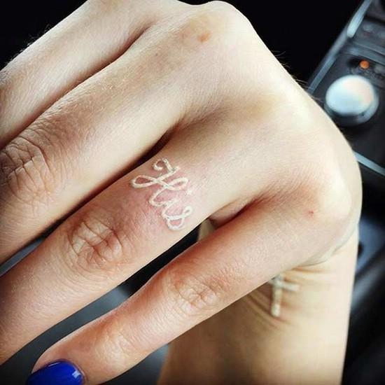 Белые татуировки набирают популярность: что надо знать, прежде чем набить (ФОТО) - фото №4