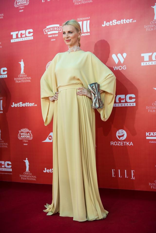 Красная дорожка Одесского кинофестиваля лучшие и худшие наряды