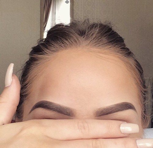 Зачем нам нужен пилинг для бровей: все про процедуру для улучшения роста волос - фото №1