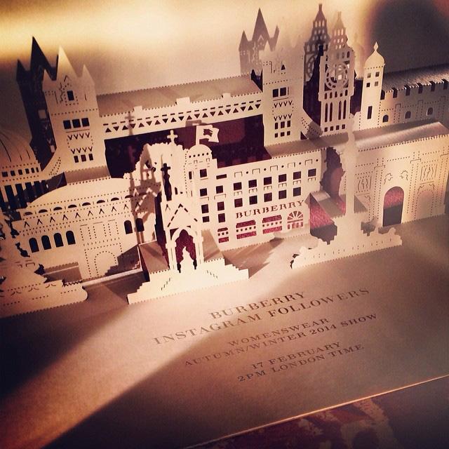Неделя моды в Лондоне: Burberry Prorsum осень-зима 2014-2015 - фото №15