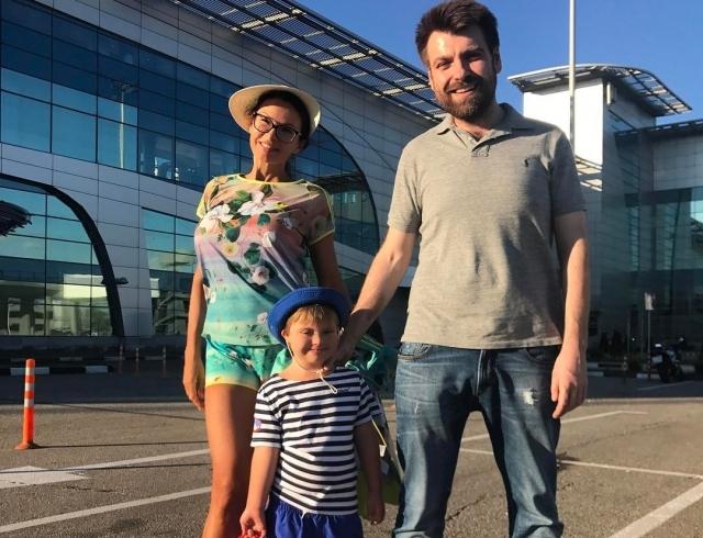 """Экс-мужа Эвелины Бледанс осудили за то, что он бросил ее ради перспективы """"родить"""" здорового ребенка с молодой пассией - фото №1"""