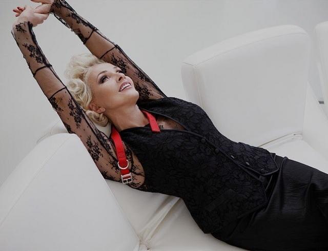 """Лайма Вайкуле рассказала, как жить в идиллии с мужем 40 лет: """"Не бывает так, что один в отношениях старается, а другой – нет"""" - фото №2"""