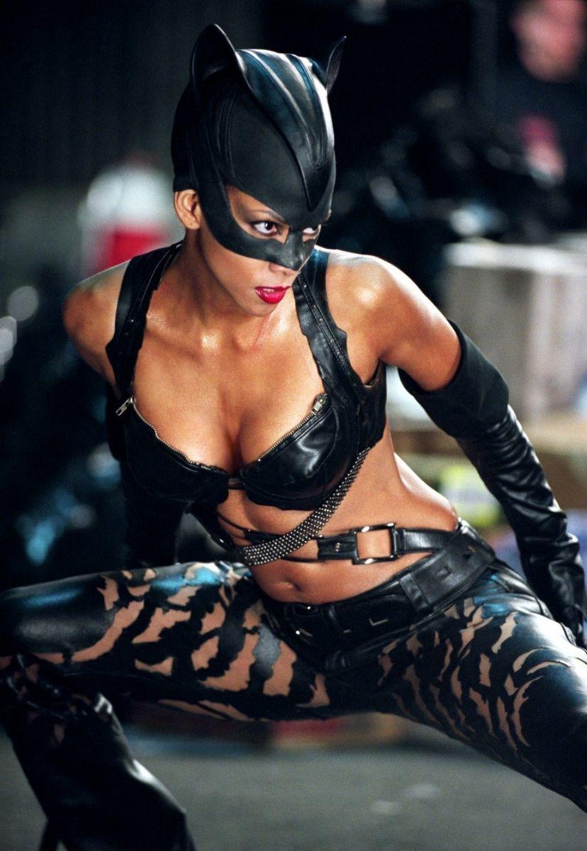 Как одеться на Хэллоуин: образы героинь мистических фильмов - фото №1