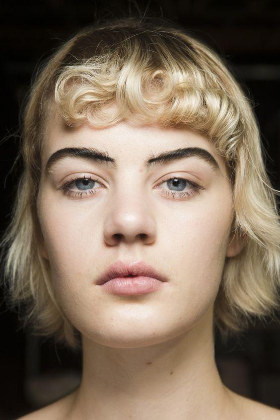 Мода на челки 2017: микрочелка, как новый тренд - фото №6