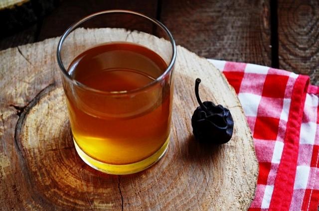 Рецепт взвара с медом и сушенными яблоками: напиток, который укрепляет иммунитет - фото №3