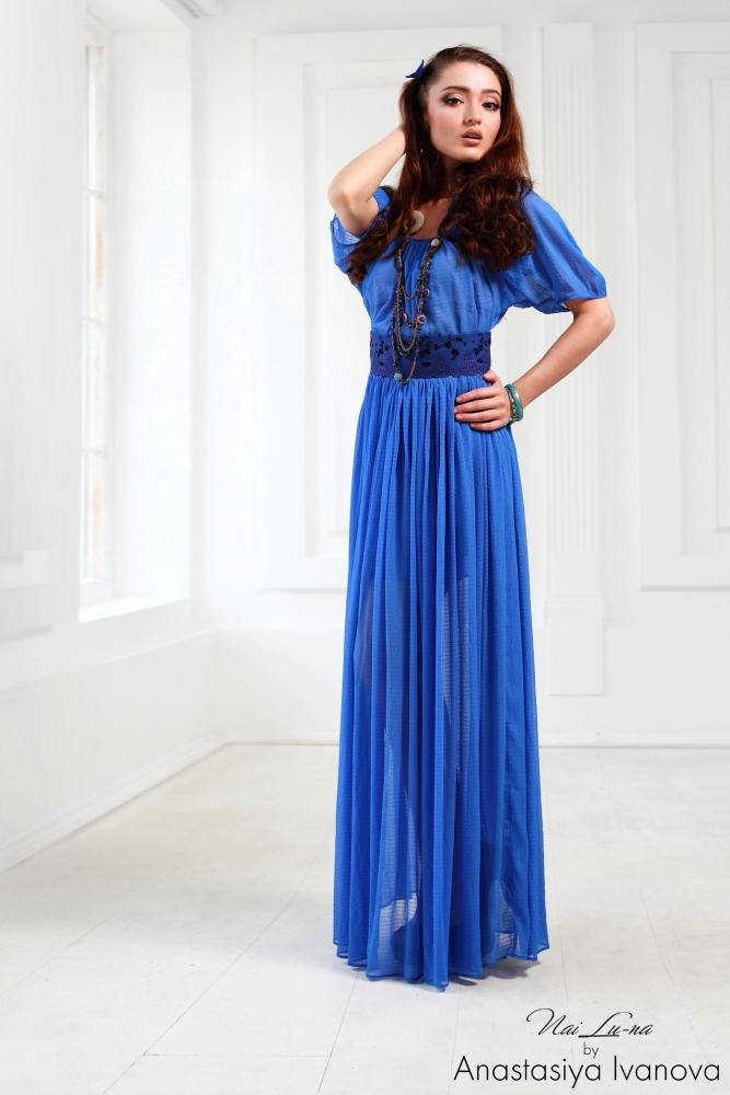 Синий цвет в одежде: его влияние на нашу жизнь - фото №3