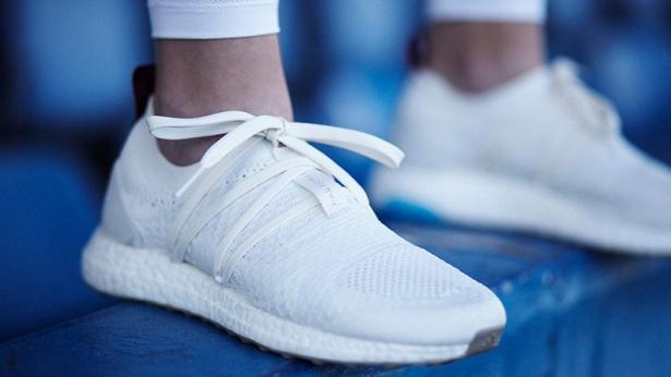кроссовки из океанического пластика от адидас