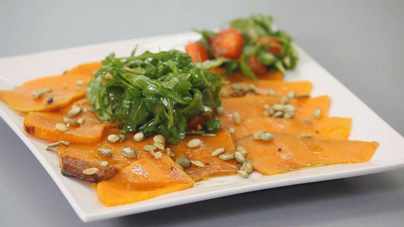 Золотые рецепты звезд: салат из тыквы с помидорами черри и рукколой от певицы Lama - фото №11