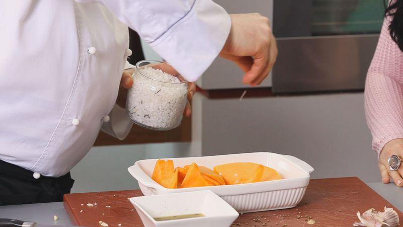 Золотые рецепты звезд: салат из тыквы с помидорами черри и рукколой от певицы Lama - фото №3