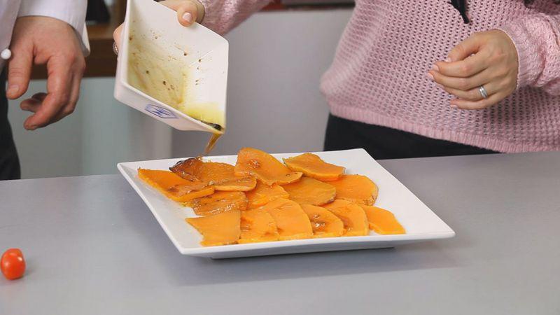 Золотые рецепты звезд: салат из тыквы с помидорами черри и рукколой от певицы Lama - фото №9