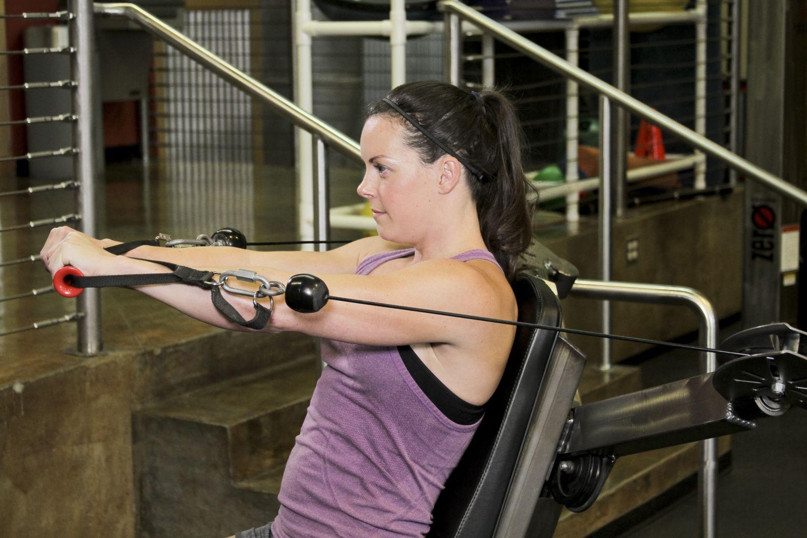 Какими тренажерами не стоит пользоваться в спортзале - фото №3