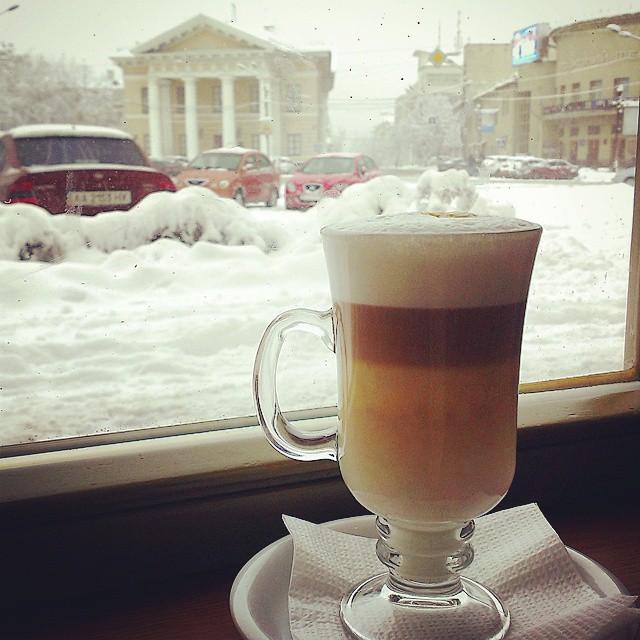 Снег в Киеве: как киевляне сегодня реагируют на снегопад - фото №1