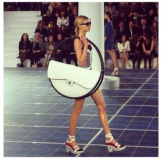 Неделя моды в Париже: «ветреный» показ от Chanel - фото №8
