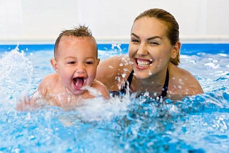 Как научить ребенка плавать - фото №1