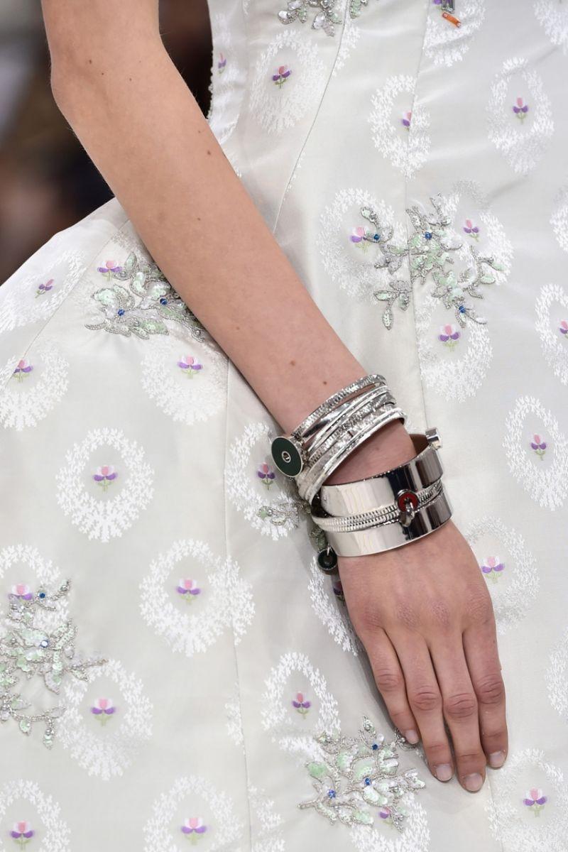 Неделя высокой моды в Париже: Christian Dior осень-зима 2014-2015 - фото №9