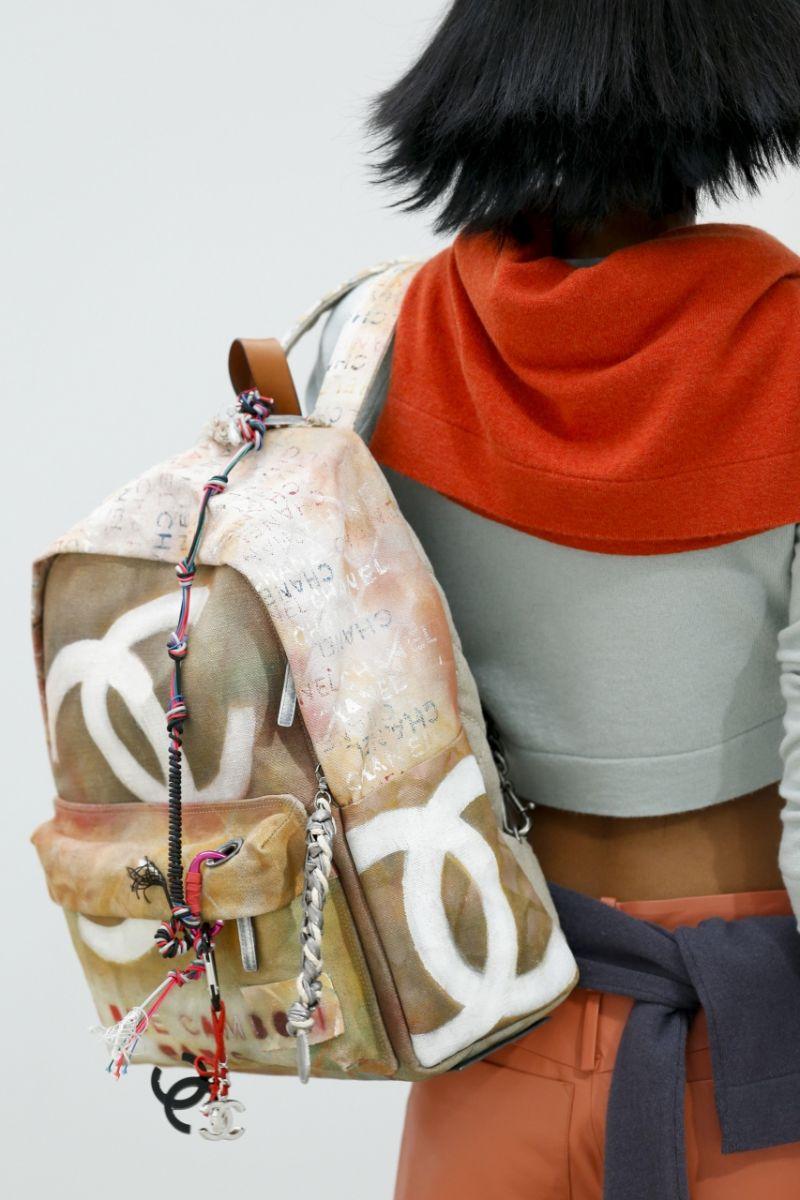 Рюкзак в стиле хиппи от Chanel - фото №3