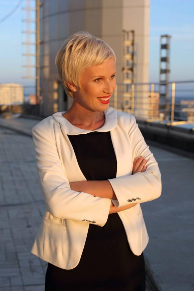 Телеведущая Жанна Тихонова: На программе Жди меня не сдерживают слез даже мужчины - фото №1