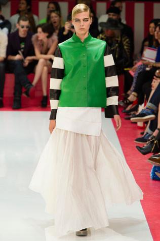 Тренд: изумрудно-зеленый цвет - как и с чем носить - фото №5