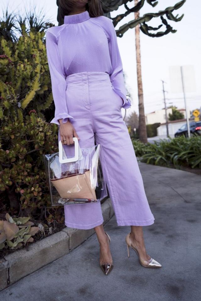 Модный тренд 2018 — пластиковая прозрачная сумка - фото №5