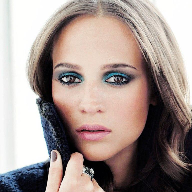 Новые лица: почему Алисия Викандер стала новой музой Louis Vuitton