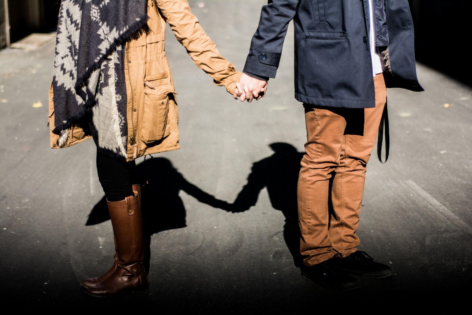 Что связано в сети, то будет связно в реальной жизни: судьба отношений, которые начались в интернете - фото №1