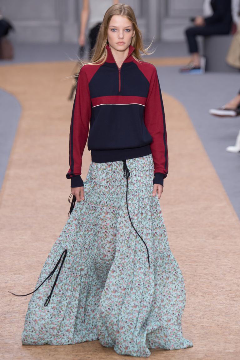 Новый бохо-шик: как носить платья в пол этой весной - фото №5