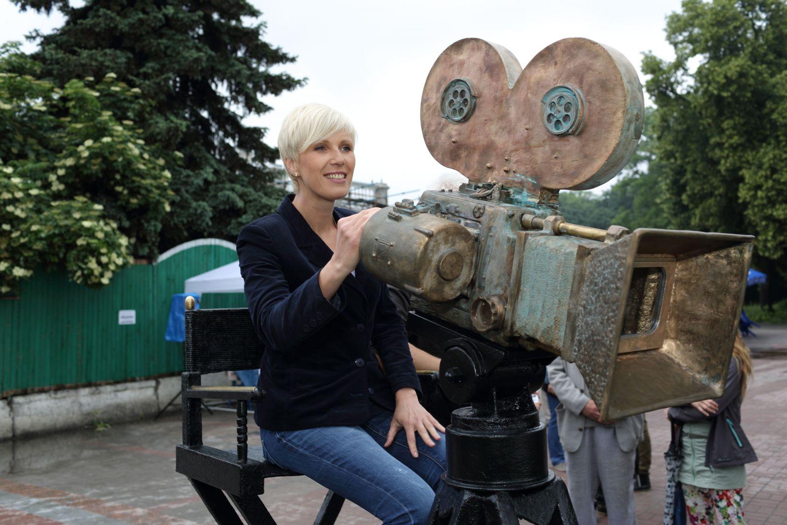 Телеведущая Жанна Тихонова: На программе Жди меня не сдерживают слез даже мужчины - фото №4