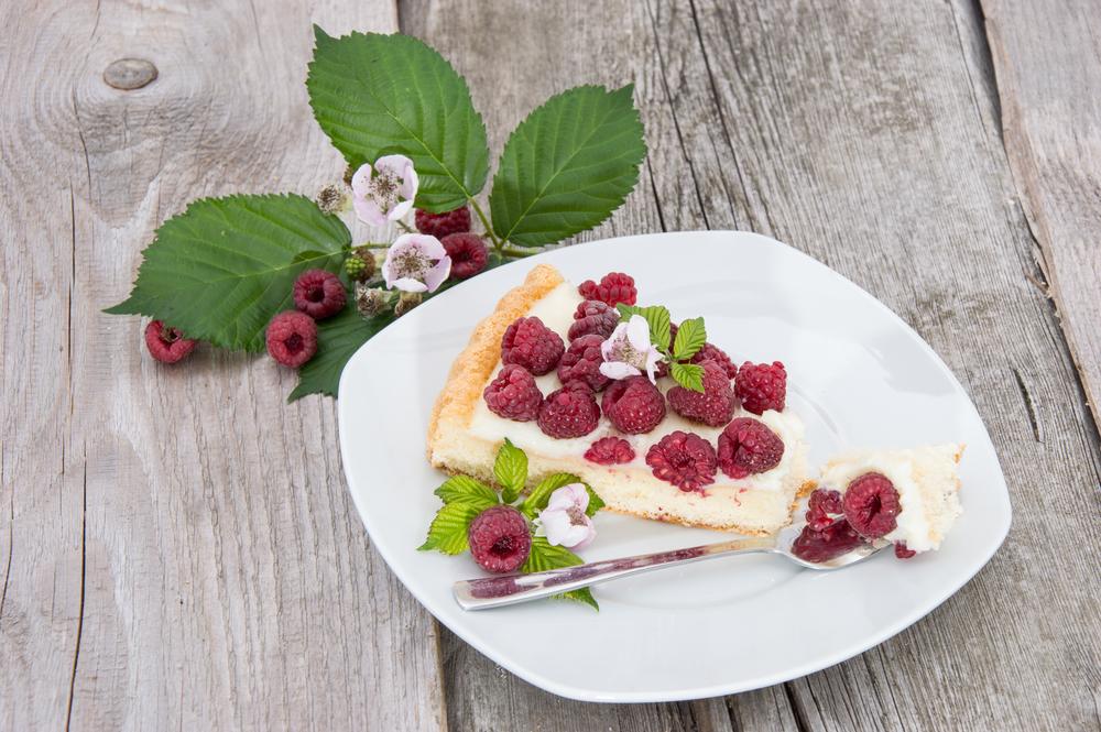 Творог по-летнему: как приготовить самый полезный десерт с ягодами - фото №2