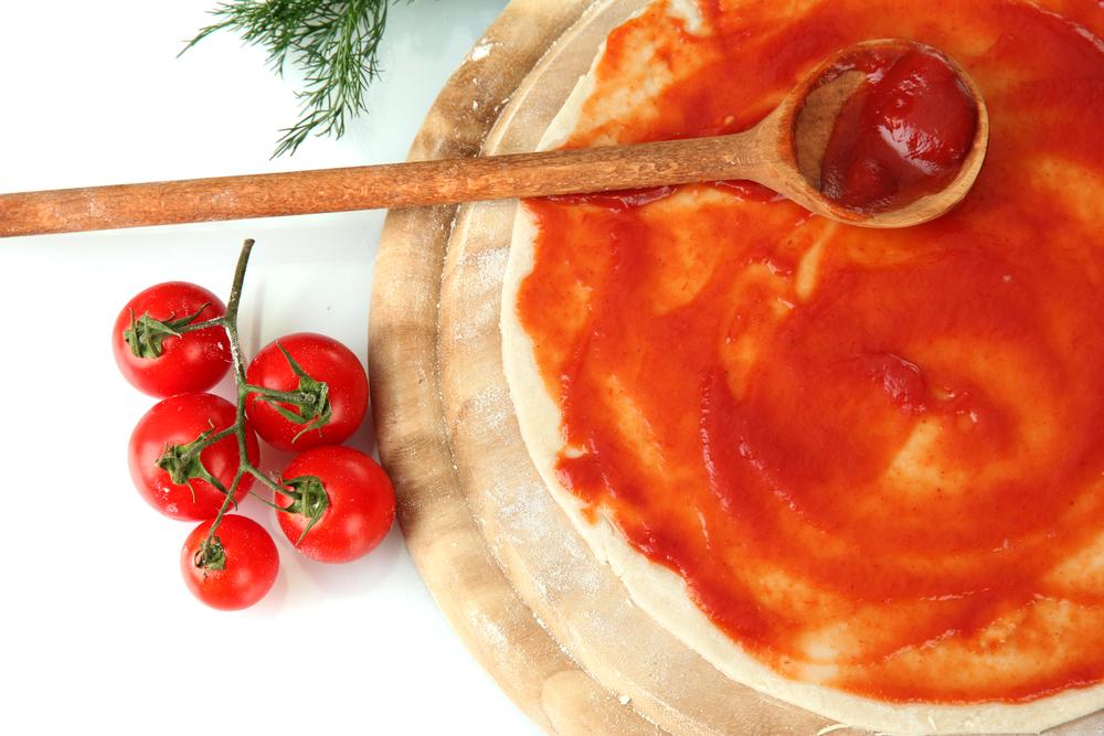 Тесто для пиццы: готовим вкусную основу для итальянского блюда - фото №1