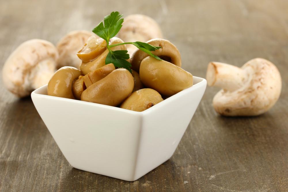 Рецепт салата «Грибная Поляна»: блюдо, которое украсит праздничный стол - фото №2