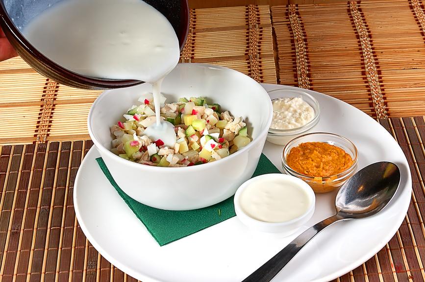Чем питаться в жару: рецепты холодных супов - фото №3