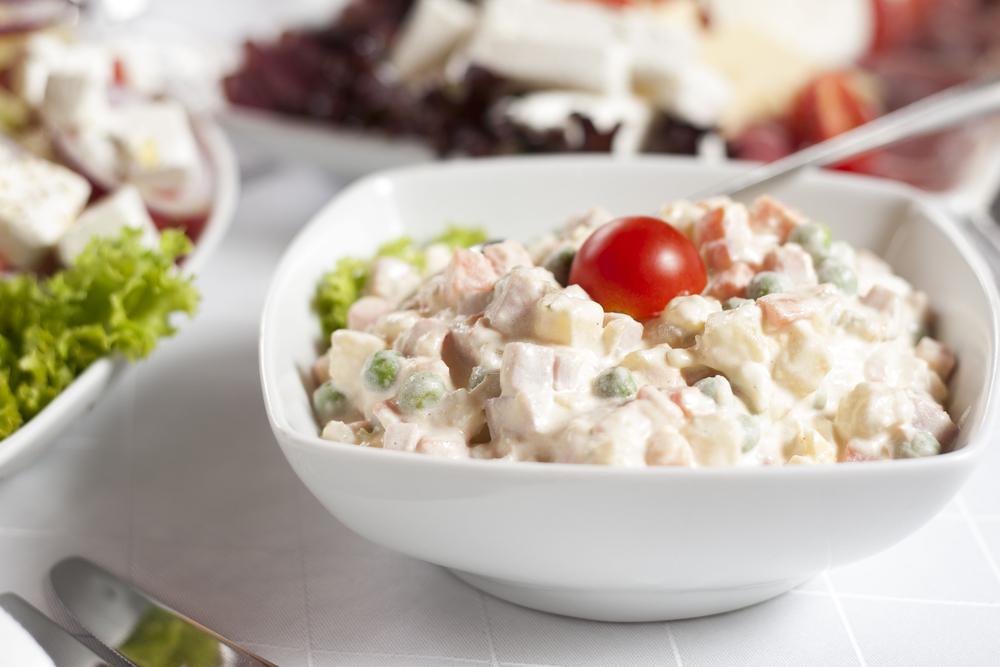 ТОП-5 вариантов рецепта оливье: салат, без которого не будет Нового года - фото №3