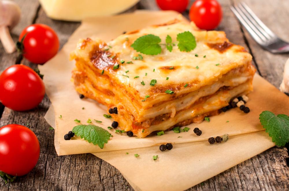 Аппетитные блюда в микроволновке: лазанья, картофельная запеканка, пицца и десерты - фото №1